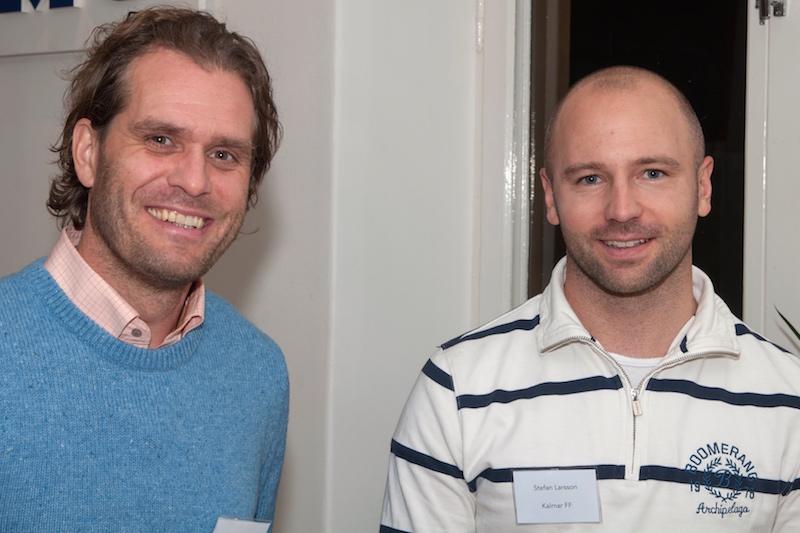 Nya ordförande i barn och ungdomsnämnden Lasse Johansson mötte upp med sin gamla lagkamrat Stefan Larsson.