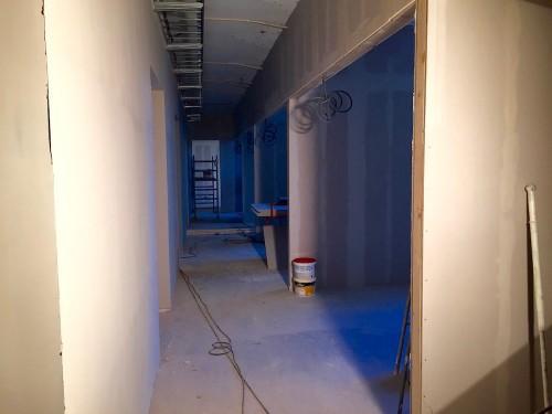 Väggarna till kontorsrummen är i stort sett klara för att målas.