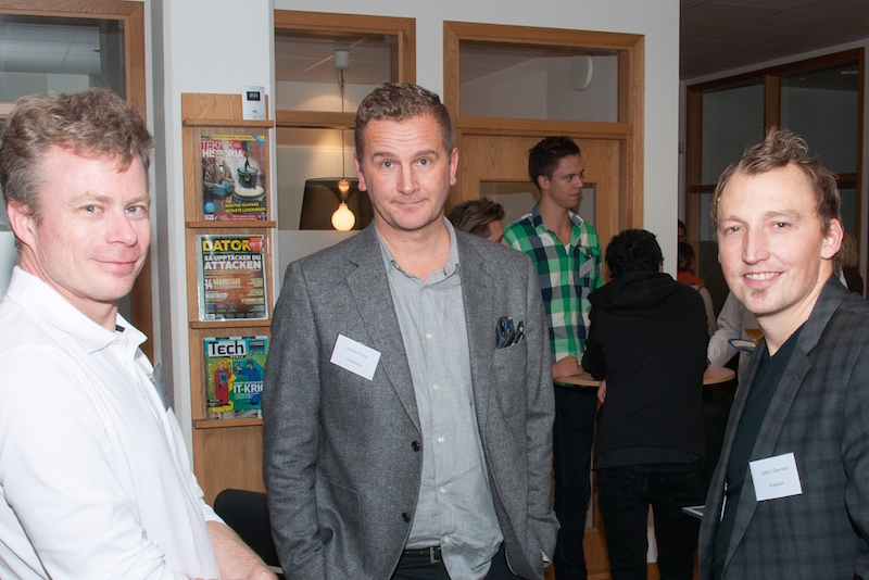 Pekka Rossi från Otimo pratat med Henrik Eklund från AOMedia och Joakim Daunéus från Kreation om den nya grafiska profilen som Kreation levererat.